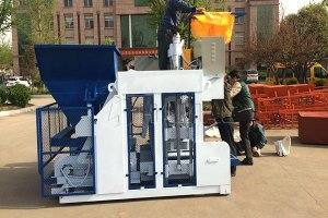 QT8-15 Automatic Block Making Machine in Russia